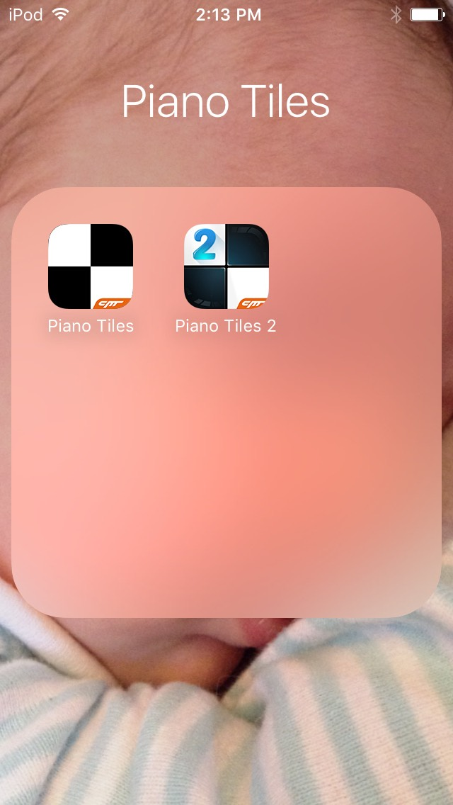 Piano Tiles/Piano Tiles 2 These two are one of the best games ever. All you do is tap the black tiles and avoid the white ones.