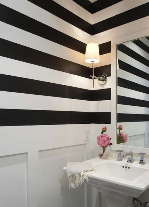 Add horizontal stripes on the wall