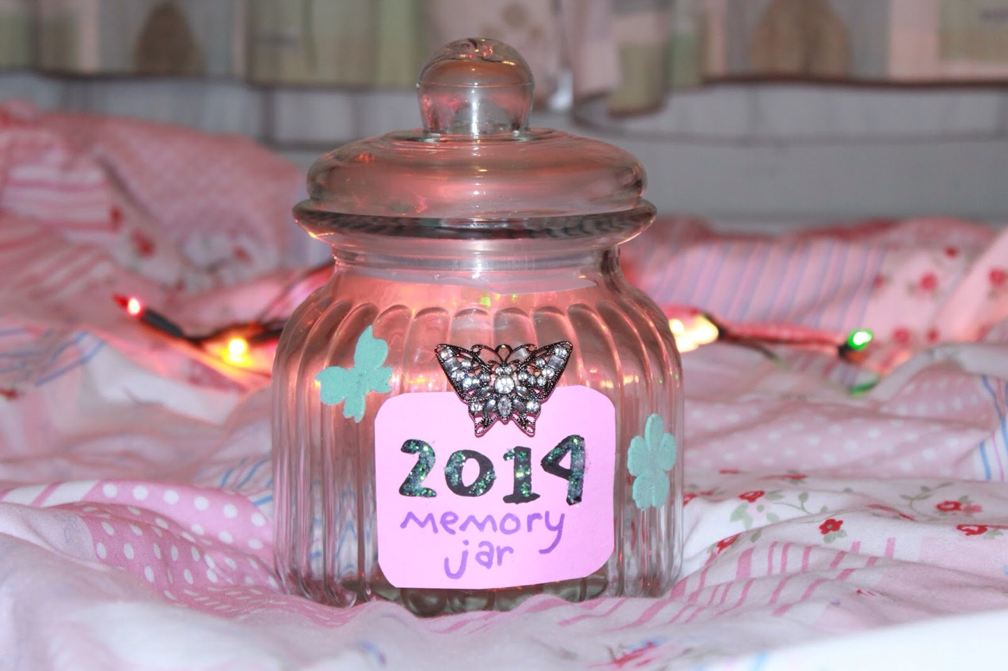 Make diys like a memory jar, crayon art, making dreamcatchers, or using mason jars for different things