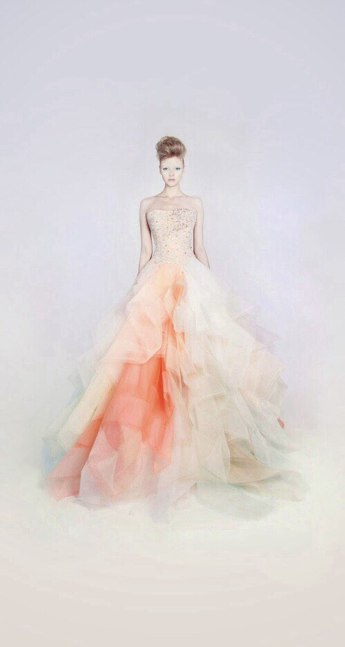 Love the colour of the dress. Don't you think the colours are pretty? White-orange