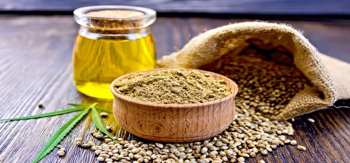 Hempseed oil isideal for restoring damaged skin, healing tissues + maintaining the integrity of skin's hydro-lipid barrier.This oilis a great pick for people struggling with eczema, dermatitis +other skin conditions, associated with dryness, redness +frequent irritation.Hempseed oil has SPF 6.