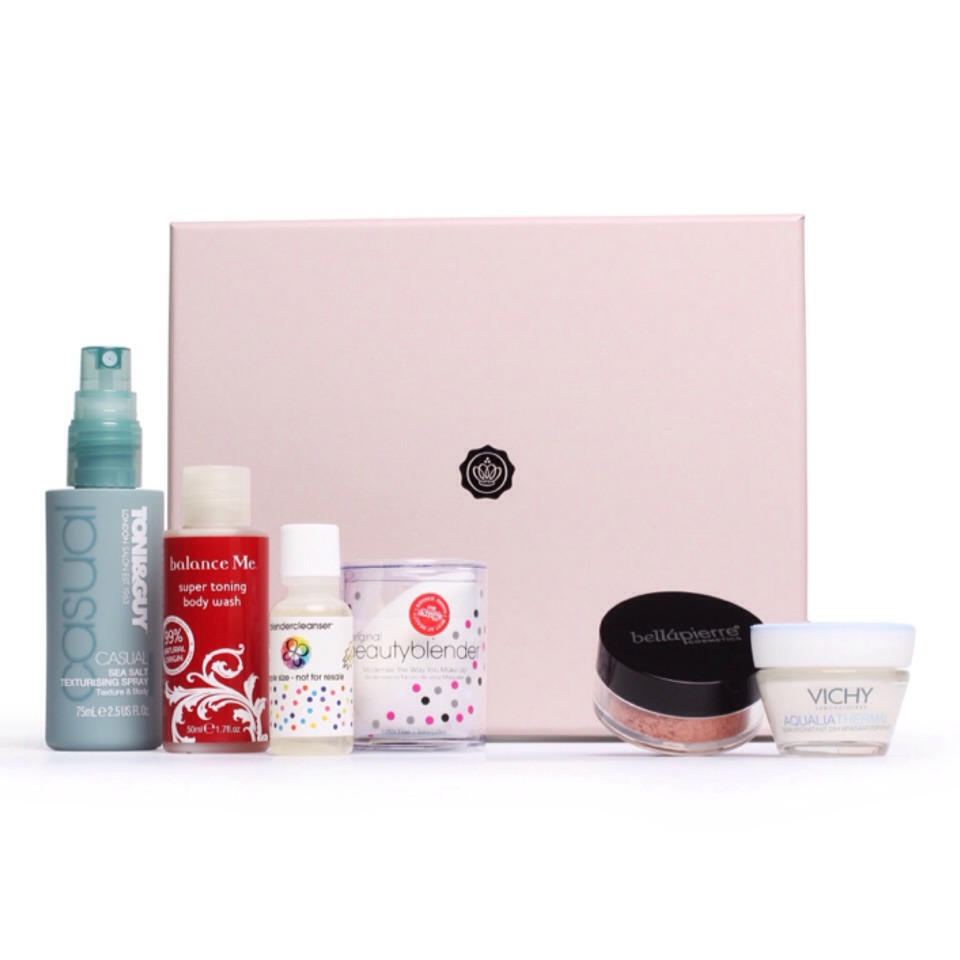 Glossybox delivers a diverse selection of 5 beauty full size treats that include niche, high-end and emerging brands, and reusable gift boxes monthly to beauties all over the world.