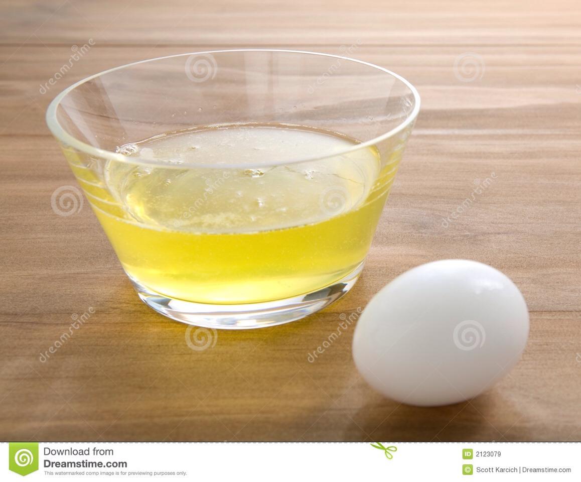 You need 2 egg whites.