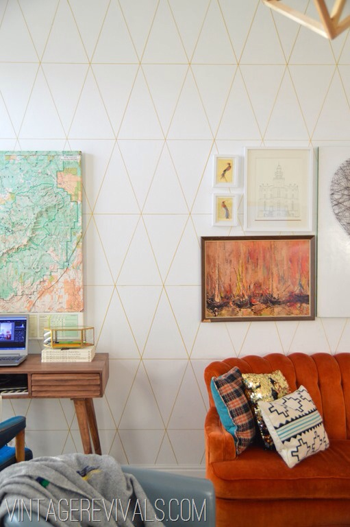 Draw lines on wall for a vintage look