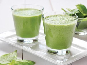 Kiwi, Spinach & Avacado Smoothie