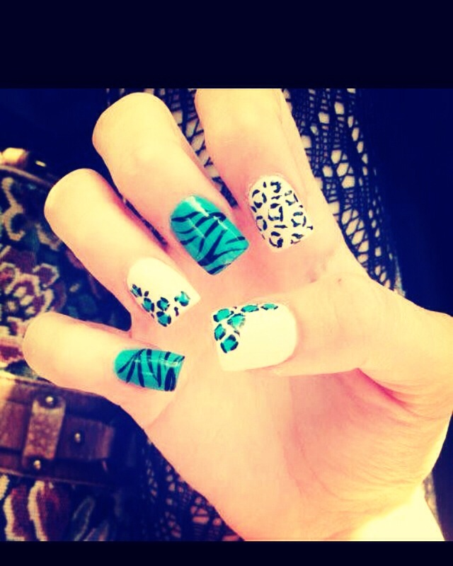Cheetah and Tiger prints🐯💐
