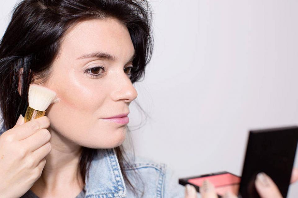 13. Contour your cheeks holding your bronzer or blush brush vertically, so the bristles hit just underneath your cheekbone.