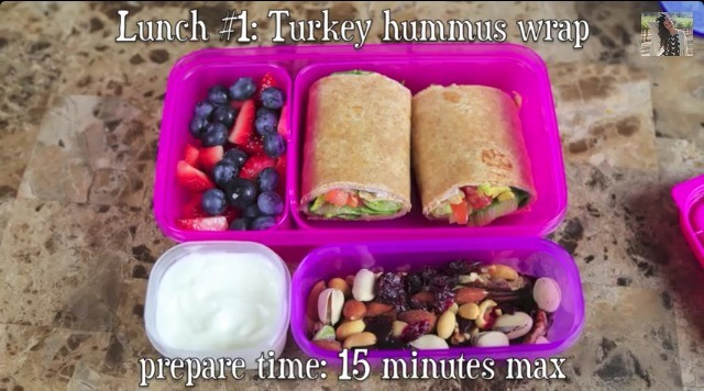 🍎 Turkey hummus wrap .   For this lunch , you need :   🍞 Tortillas  🍶 Hummus  🍅Vegies of your choice (tomato , salad..) 🍗 Turkey