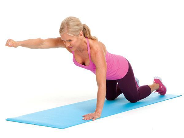 Week 1: Knee Push-Up with Punch  Targets: chest, shoulders, arms, core Start in modified push-up position, knees on floor. Keeping abs tight, bend elbows and lower chest toward floor. Press back up to start and extend right arm at shoulder level. Continue alternating arms with each rep.