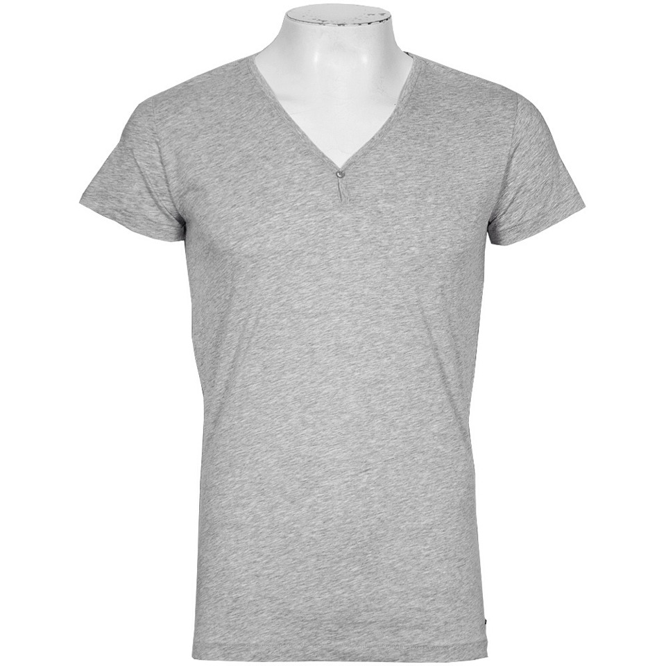 Any color v-neck t-shirt would look cute with this outfit