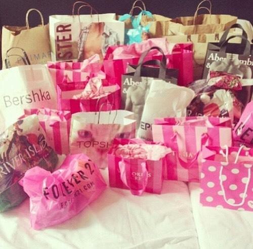 SHOPPING|| even if you don't love shopping, you love shopping..
