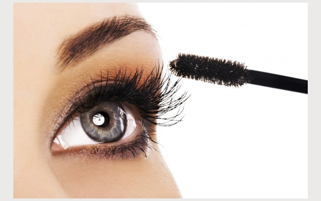 1• You curl your lashes after you apply mascara.  You should always use an eyelash curler on clean, mascara-free lashes. Otherwise you can cause your mascara to clump, and risk pulling your lashes out.