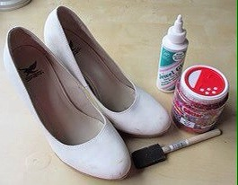 pair of shoes, jewel glue/modpodge, glitter