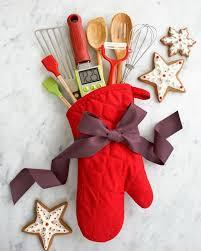 Chef/baker? I think this is so adorable. Fill an oven mitten with cooking utensils. It's so cute and creative.