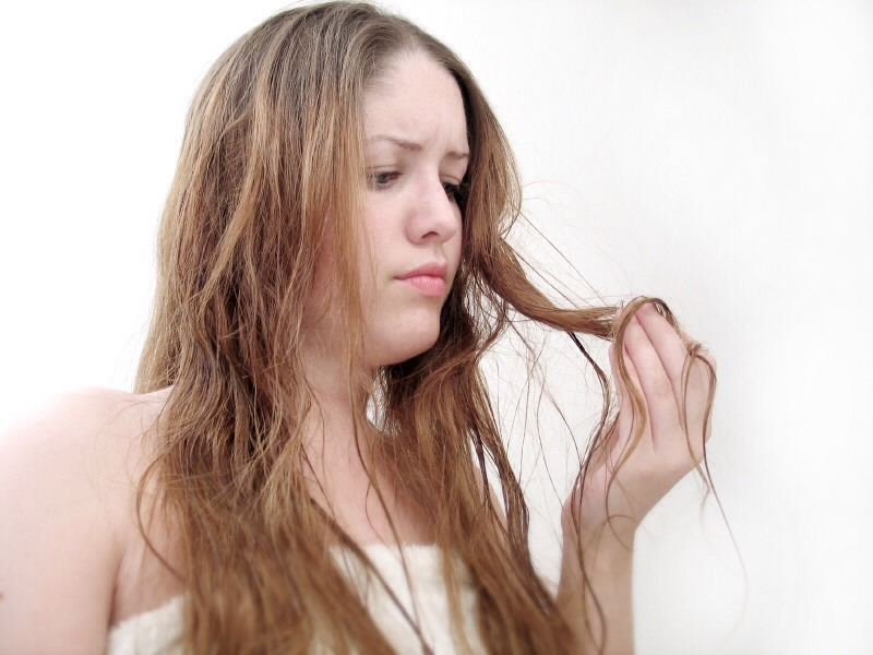 Tip #5: Keep your hair hydrated, so it can stay smooth and there will be less tangles. Use extra conditioner after swimming, don't use too hot water in the shower and smooth a little sunscreen (mix a little sunscreen and water to make hair sunscreen spray) on your hair before going out into the sun.
