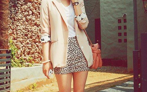 Here are 5 style inspiration on how to wear Leopard Print Skirt.http://bit.ly/1obrc83