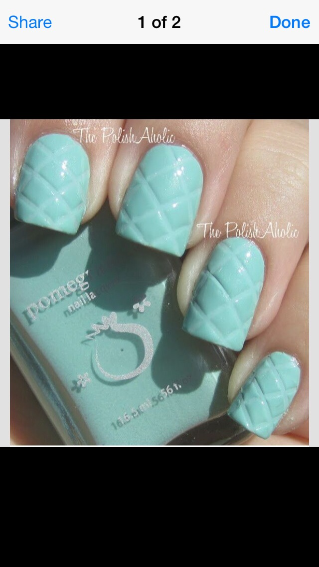paint a first coat if nail varnish in your chosen colour and wait to it to dry, then out on a seconds coat but before it dries press a ruler in diagonally to cause the indent and then let them dry