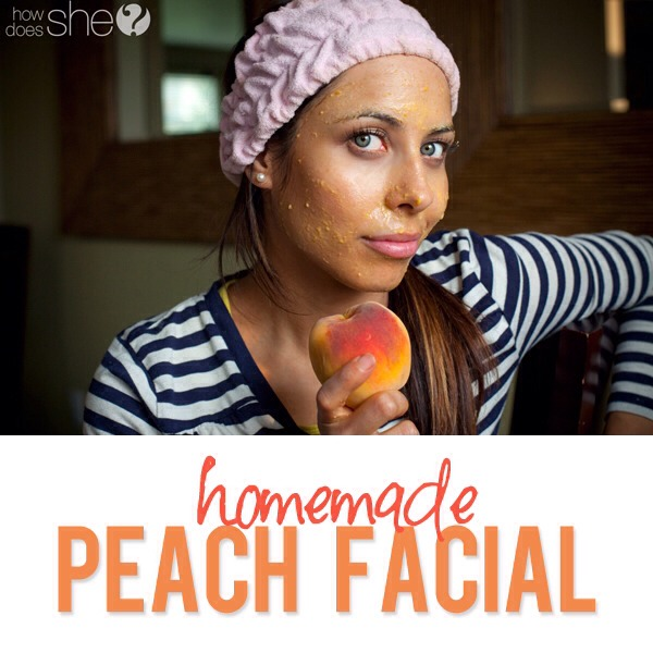 It's extremely easy! All you need is: 1 ripe peach, 1 teaspoon of honey and 1 egg yolk (for dry skin) or 1 egg white (for oily skin).