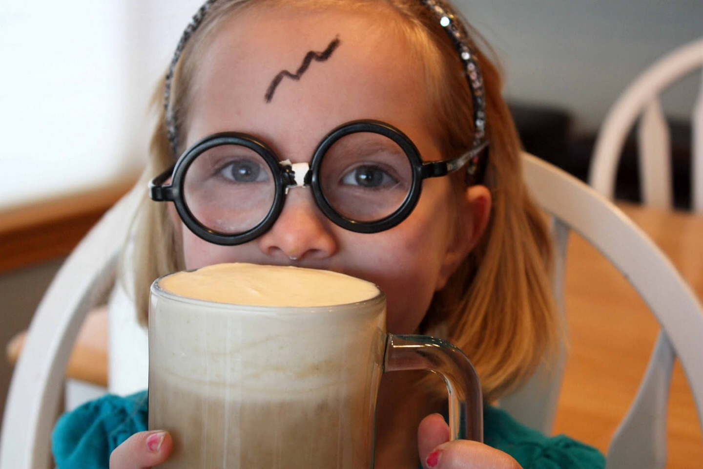 Here are 3 easy butterbeer recipes to make your day a bit more magical!!
