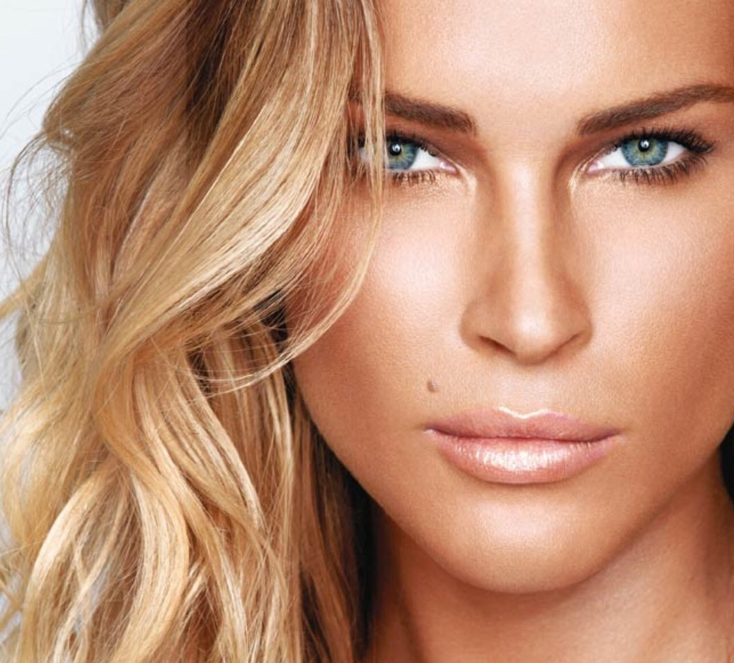 Want to get your bronzer to look like this? Read on!