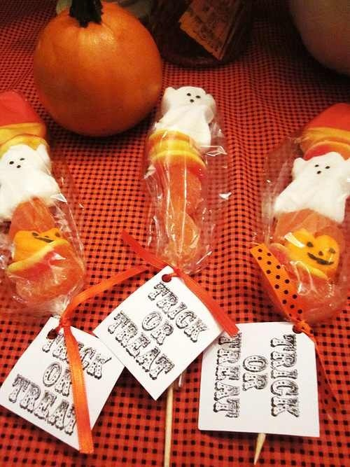 Simple Halloween Greer bags! Fill with gummie candy and a ghost peep. Print out the tags using any website or even just word. Super easy! Takes 5 minutes.