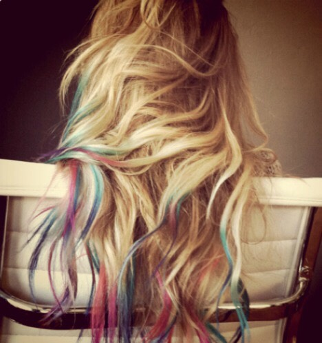 Not looking for something permanent? Hair Chalk would work great for this look😄