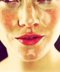 Oily Skin  If your skin is oily, your privilege masks containing no oil or other fats. Instead, you will turn to ingredients that will absorb excess oil from your skin without affecting its moisture. Here are two recipes that will leave the skin soft and clear.