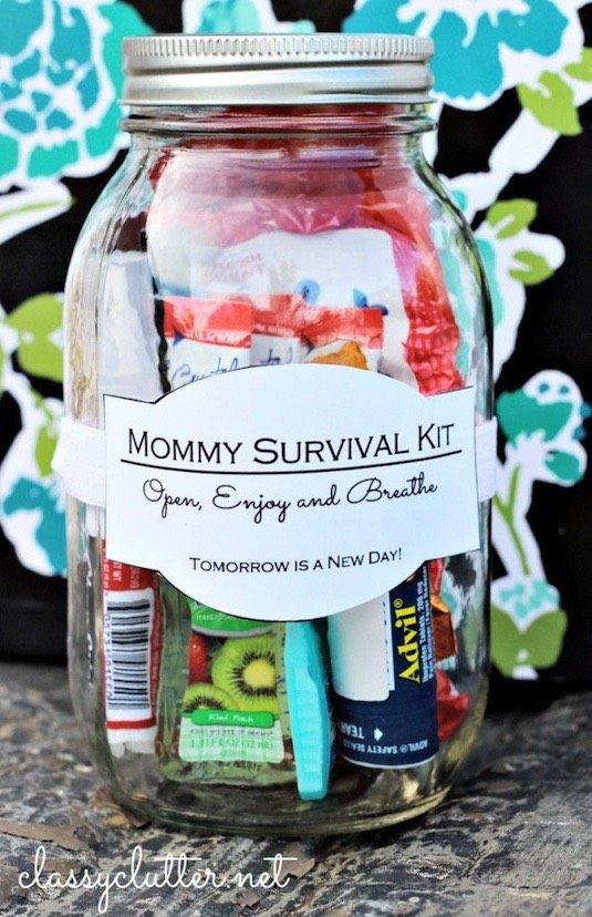 8. Gift In A Jar You could do this for just about any occasion — a new mommy jar, a get well jar, a spa pampering jar, or anything else you can think up! Classy Clutter has quite a few good ideas and free printable labels.