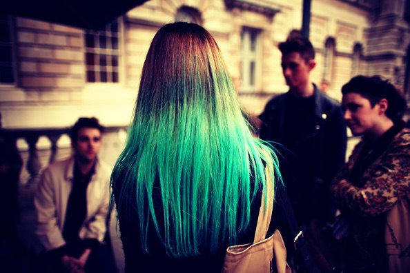 to turn hair made green by chlorine back to its natural colour use aspirin 💇