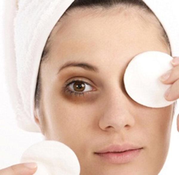 3- Relieves Dark Circles Under Eyes