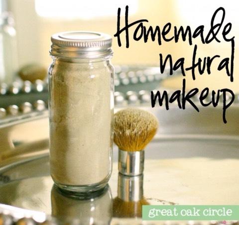 Homemade Translucent Powder  http://greatoakcircle.com/homemade-natural-makeup-translucent-powder