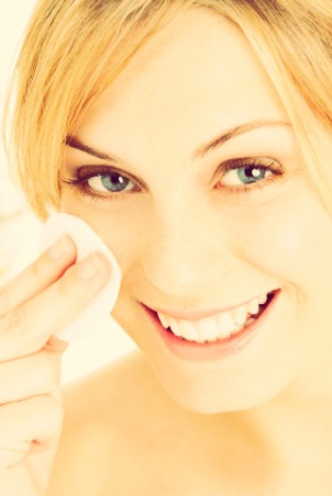 Need a face lift? This at home toner will tighten and kill bacteria for a younger looking face.