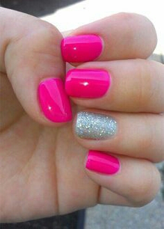 I always 💜 an accent nail!