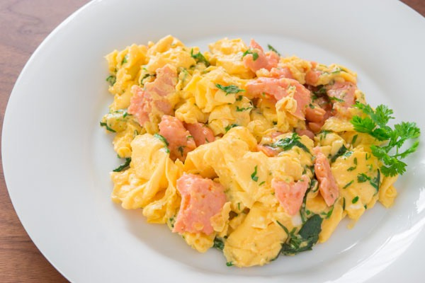 Salmon and eggs (190)