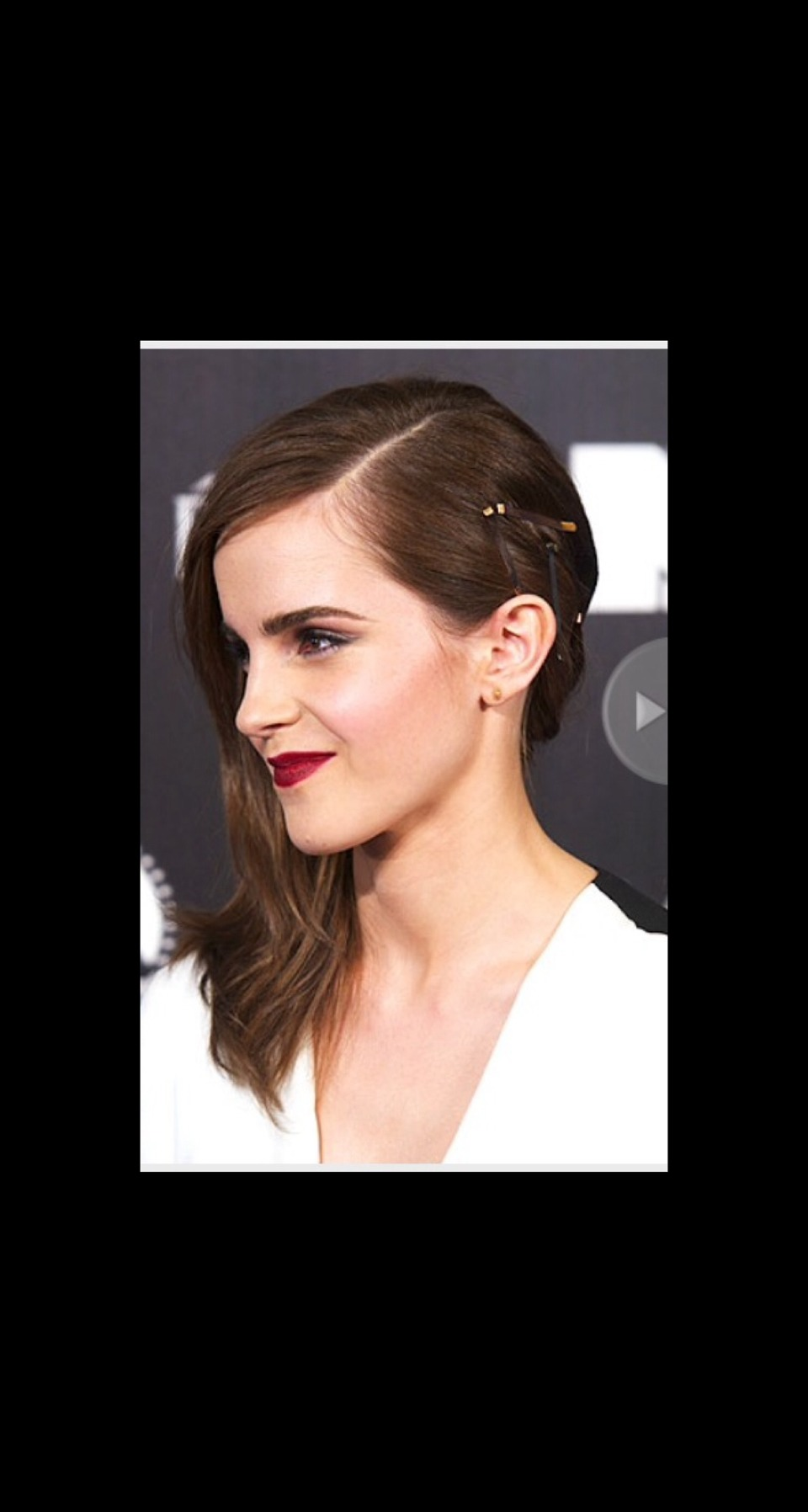 VISIBLE PINS After spending most of our lives mastering the art of hiding bobby pins and clips, Emma Stone and Emma Watson are opening our eyes to a very different, more blatant way of utilizing the hair accessory.
