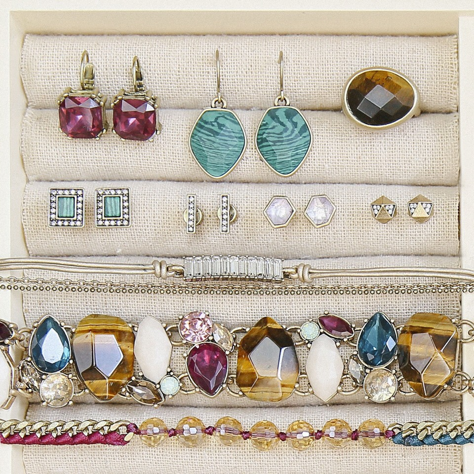 Chloe and Isabel has gorgeous jewelry for every style and budget! Each piece has a lifetime replacement guarantee. You can shop these gorgeous jewels here: https://www.chloeandisabel.com/boutique/laurenwurthmann