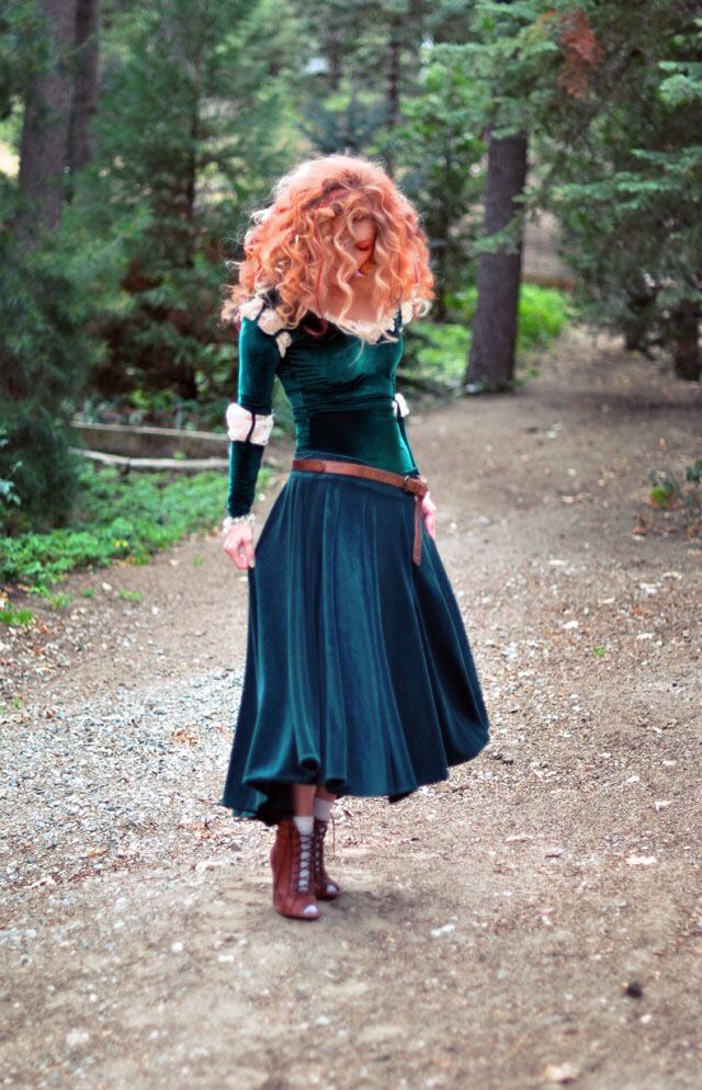 http://www.lovemaegan.com/2013/09/diy-merida-costume-from-brave-hair.html