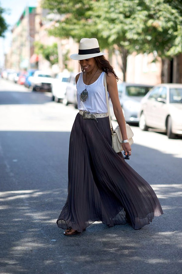 17. One of my favorite pairings is a maxi skirt, a tank and a summer hat. So adorable!