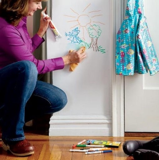 Removes permanent marker or normal marker off walls or wood