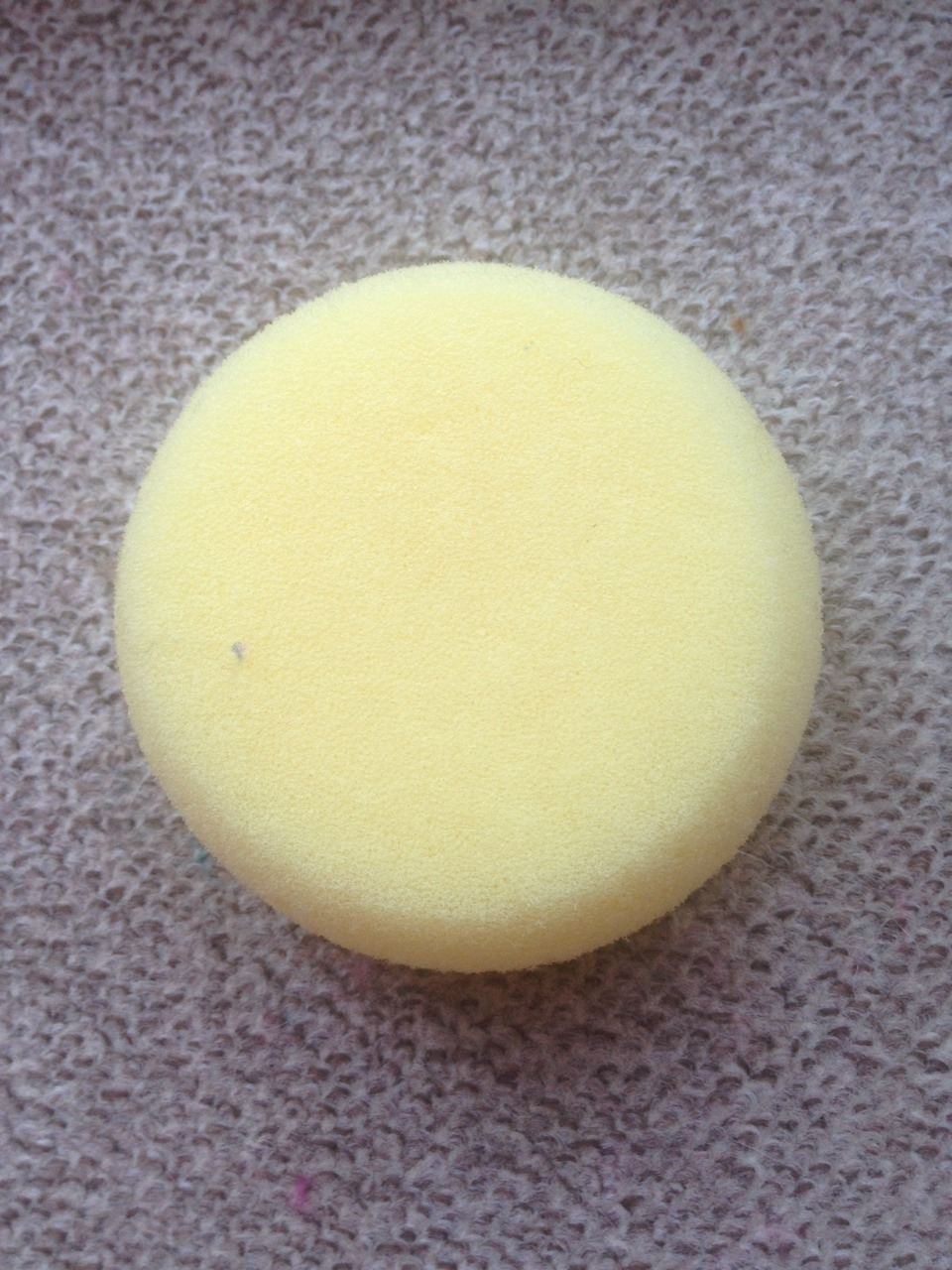 Cut your sponge into a circle mine was already done for me