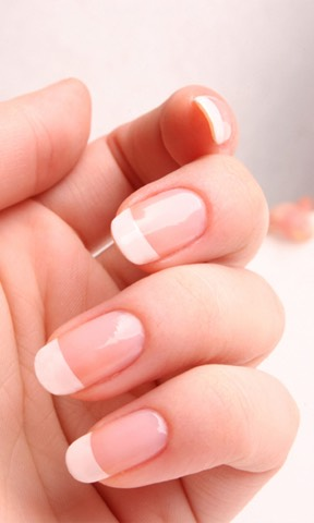 The next day you should find a reasonable difference in your nails and your hands will feel super soft. The amount that the nails have grown will depend on the amount of time you have left your hands in the solution. I know that this method works for me so let me know your results!