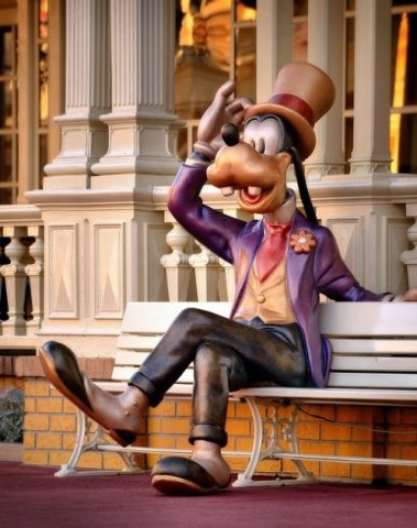 a statue of Goofy sits on the bench in front of Tony's. If you sit next to him, and listen closely, you might hear him talking to you!