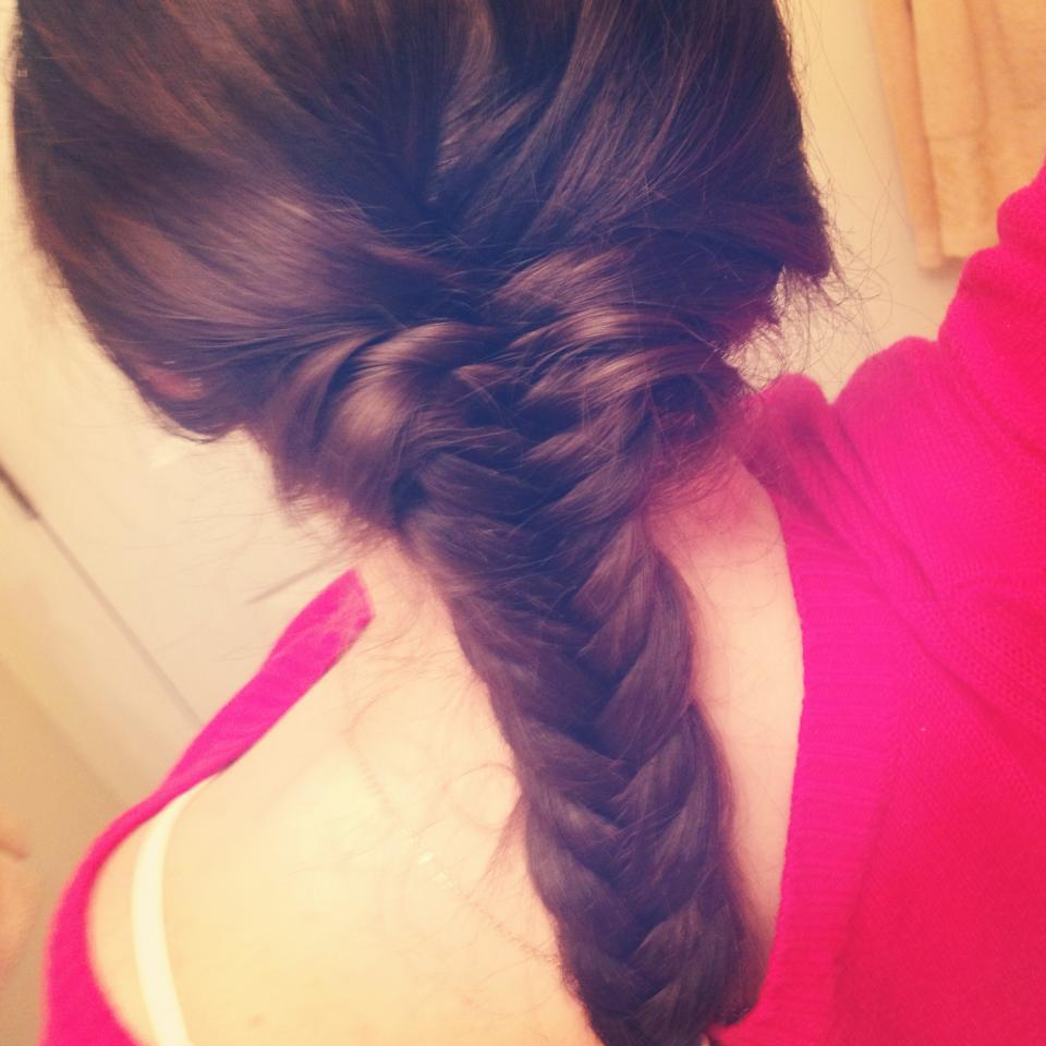 A very simple (and quicker!) way to achieve a fishtail braid! Simply take each new piece of hair and pull it inward instead of bringing it outward each time you pick up a new strand. This is much quicker and you achieve the same look!