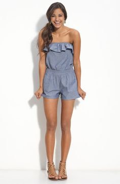 Rompers are like my favorite piece of clothing right now. They're every lazy girls dream 😍