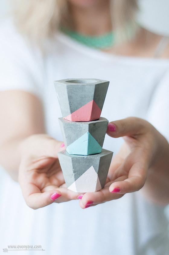11. These colorblocked candle holders.  http://www.evenyaru.com/2014/05/13/%D7%A4%D7%9E%D7%95%D7%98%D7%99-%D7%91%D7%98%D7%95%D7%9F-%D7%94%D7%93%D7%A8%D7%9B%D7%94/