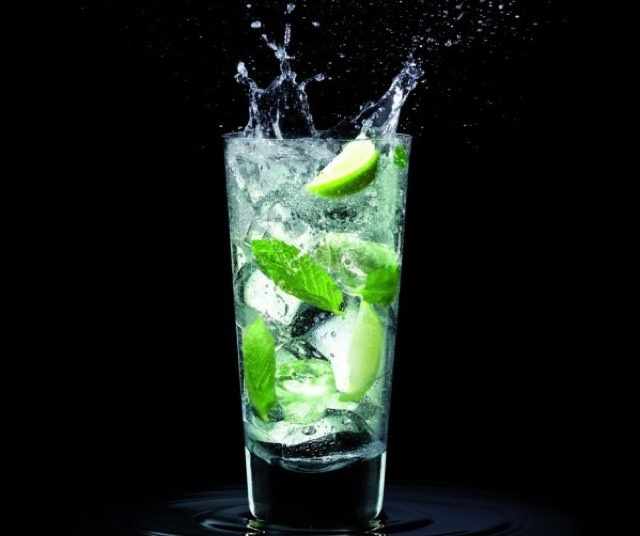 Lime and Mint leaves. 🍸
