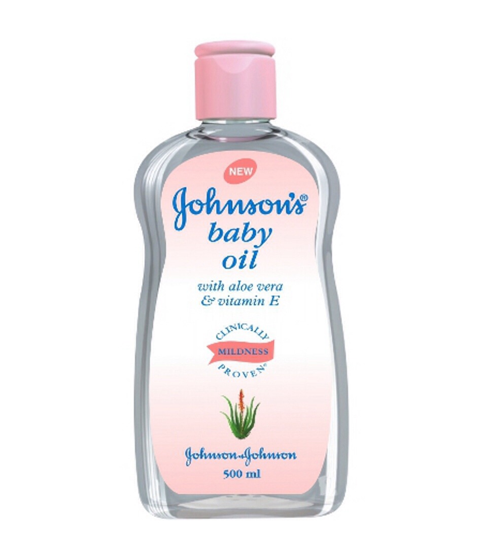 Life hack #4  Moisturize with baby oil and baby power it smells better and it's amazing on your skin, it's also good for sensitive skin