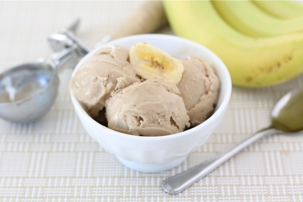 Homemade and healthy pb Icecream: You need: Bananas, vanilla, milk, ice, and peanut butter! Use around 1 banana A teaspoon of vanilla A tsp or more of pb A dash of milk And a few ice cubes Blend together and enjoy!