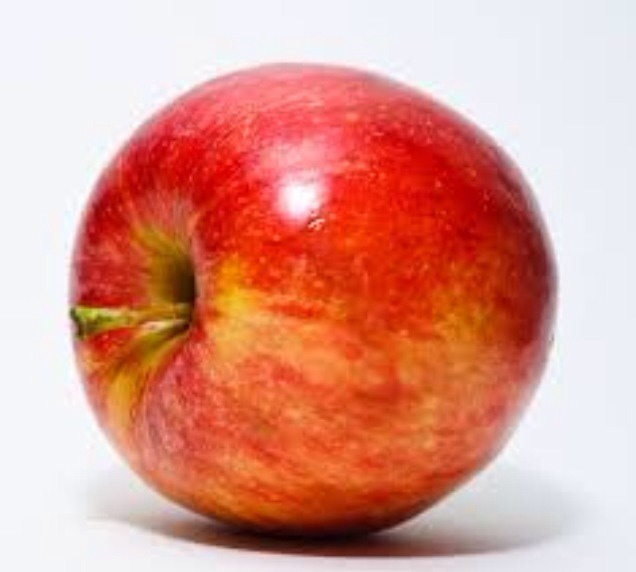 Did you know eating an apple before bed can help you loos weight faster apples have fiber and fiber makes you loos weight  try it out
