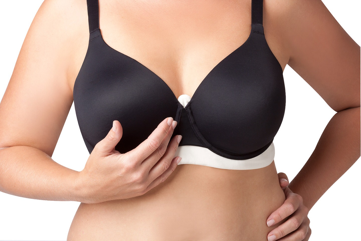 Whether you have a pair of god given ta tas, or you bought a pair ;), chances are you suffer from under boob sweat in the summer or at the gym...